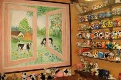 Фальш-окна, нарисованные на стене