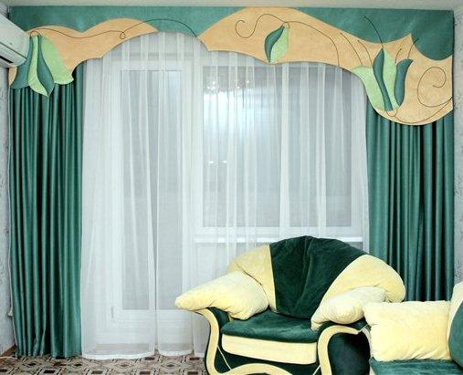Пример декора окна при помощи ламбрекена