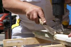 Зачистка деревянного окна
