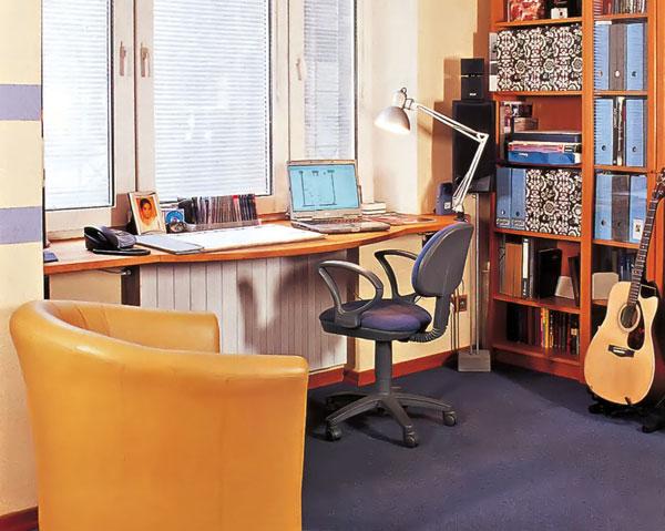 Подоконник-письменный стол