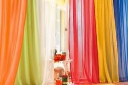 Занавески из разной цветовой гаммы