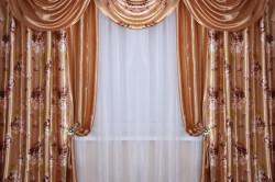 Классический вариант штор для зала