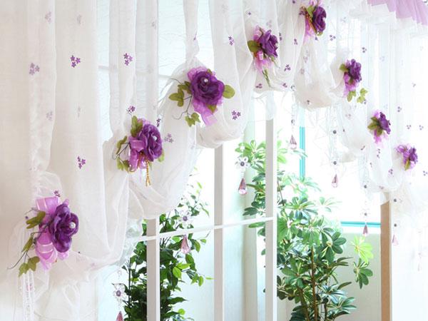 Украшение штор цветами