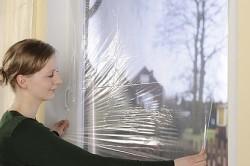 Утепление окна пленкой