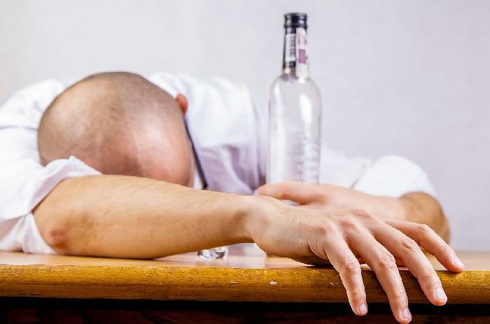 Янтарная кислота при алкогольном отравлении